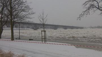 Prezydent miasta zarządził ewakuację mieszkańców. Woda wylewa się na ulice