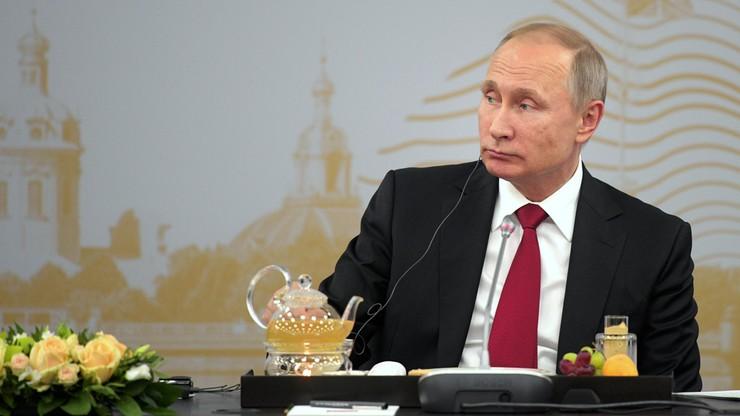 Szczegóły spotkania Gabriela z Putinem w niemieckich mediach