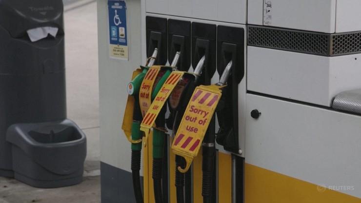 Kryzys w Wielkiej Brytanii. Brakuje benzyny, długie kolejki na stacjach paliw