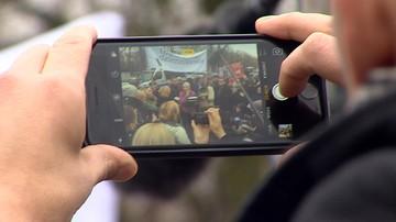 #DzieńBezPolityków i zdjęcia posłów bez twarzy. Media protestują przeciwko blokowaniu dostępu do Sejmu