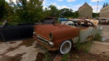 """Miała być renowacja i """"auta jak nowe"""", a jest złom. Właściciel warsztatu zniknął"""