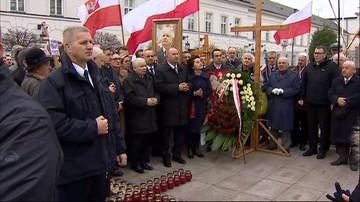 91. miesięcznica katastrofy smoleńskiej. Obok Kaczyńskiego m.in. Błaszczak, Macierewicz i Waszczykowski