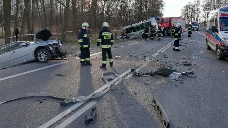 11 rannych po zderzeniu busa z volvo na Podkarpaciu