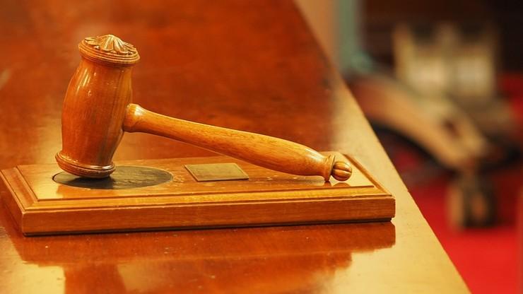 Broń prezentowana jako dowód wystrzeliła w sądzie w RPA. Nie żyje adwokat
