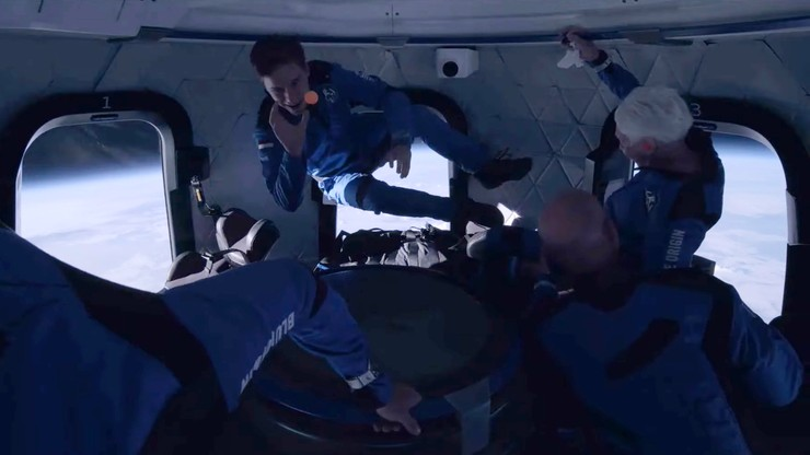 USA. Rakieta New Shepard z Jeffem Bezosem poleciała w kosmos. Drugi lot turystyczny w historii