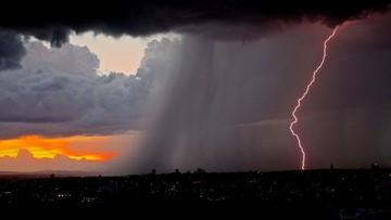 Alarm pogodowy. Silne burze, niewykluczone trąby powietrzne