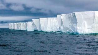 01.03.2021 06:00 Antarktyda rozpada się na naszych oczach. Powstała góra lodowa dwukrotnie większa od Warszawy