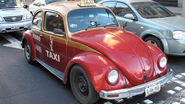 Meksyk: kierowcy w stolicy będą musieli mieć prawo jazdy