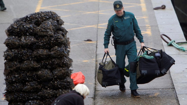 3 tony kokainy na łodzi podwodnej. Przemytnicy osiedli na mieliźnie, bo skończyło się paliwo