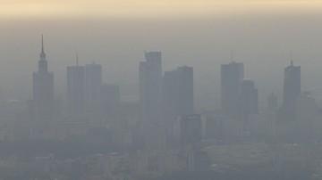 Antysmogowe chodniki, drony, kontrola spalin. Jak polskie miasta walczą ze smogiem?