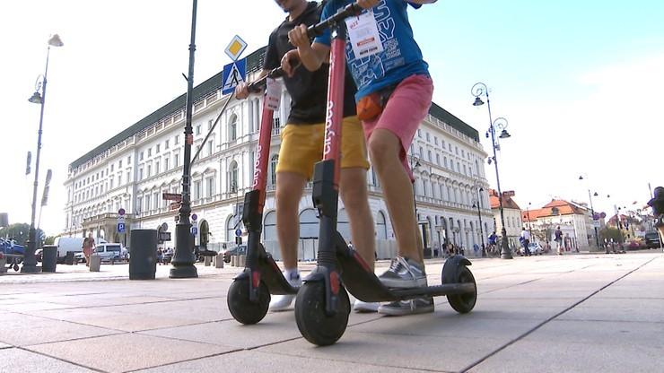 """""""Będziemy wizualnie mierzyć prędkość hulajnóg"""". Straż Miejska z nowymi uprawnieniami"""
