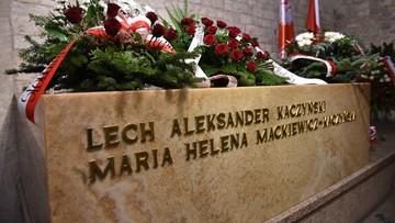 Prezydent Duda modlił się przy sarkofagu Lecha i Marii Kaczyńskich