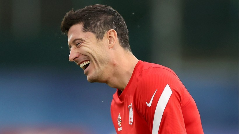 FIFA 22: Robert Lewandowski lepszy od Cristiano Ronaldo. Oficjalne oceny piłkarzy w grze