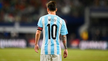 Maradona wzywa Messiego do zmiany decyzji