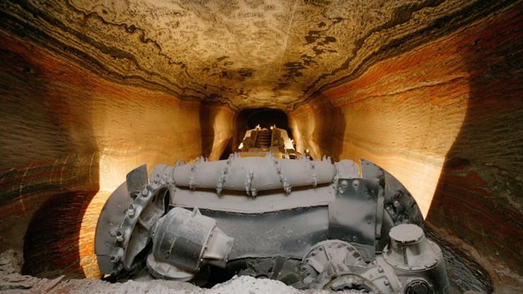 Ratownikom udało się dotrzeć do rejonu katastrofy w kopalni na Uralu