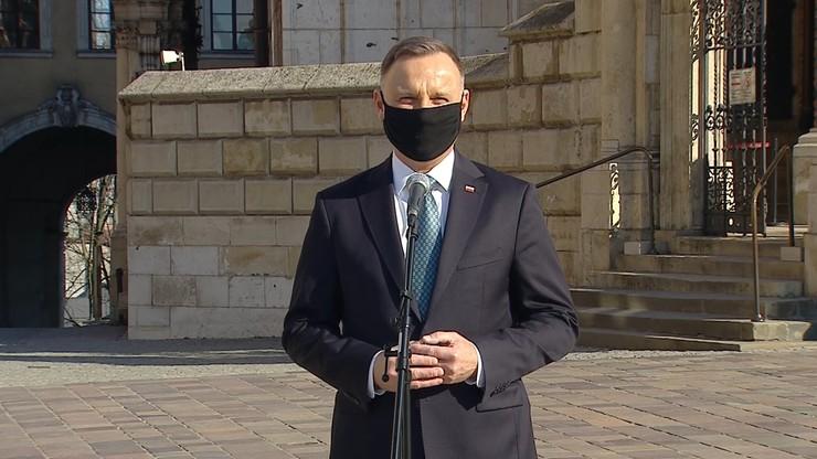 """Prezydent Andrzej Duda na Wawelu. """"Jestem tu, żeby oddać hołd"""""""