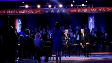Mniej broni mniej ofiar? Obama przekonuje do większej kontroli