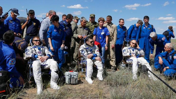 Sojuz z trzema astronautami wylądował. Spędzili w kosmosie pół roku