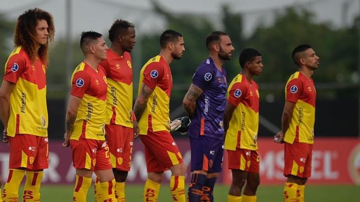 Kuriozalny mecz w Ekwadorze. Zostali z 6 piłkarzami na boisku