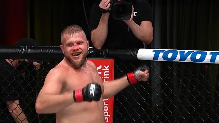 Spektakularna wygrana Marcina Tybury w UFC! Pokonał Walta Harrisa w pierwszej rundzie