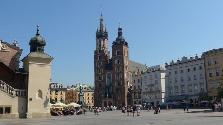 Dron Ukraińca spadł na dach Bazyliki Mariackiej w Krakowie