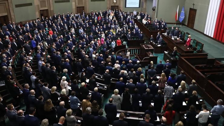 Donald Tusk: propozycja zmiany konstytucji to test na intencje PiS