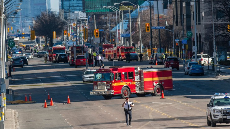 Kierowca furgonetki, która wjechała w tłum w Toronto, oskarżony o zabójstwo z premedytacją