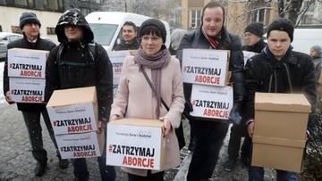 """Projekt zakazujący tzw. aborcji eugenicznej już w Sejmie. """"Dzisiaj przychodzimy z dobrą wiadomością"""""""