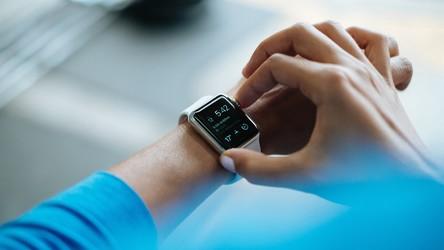 Rynek inteligentnych zegarków rośnie jak na drożdżach. To dobre wieści