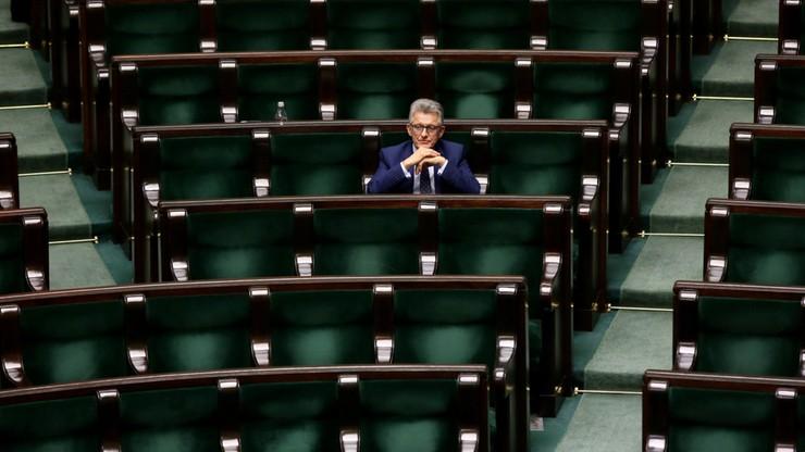 Debata po pierwszej w nocy. Sejm o poprawkach Senatu do ustawy o sędziach TK