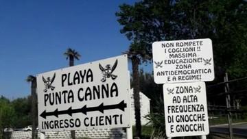 """""""Faszystowska"""" plaża koło Wenecji. Właściciel wygłasza przemówienia nawiązujące do mów Mussoliniego"""