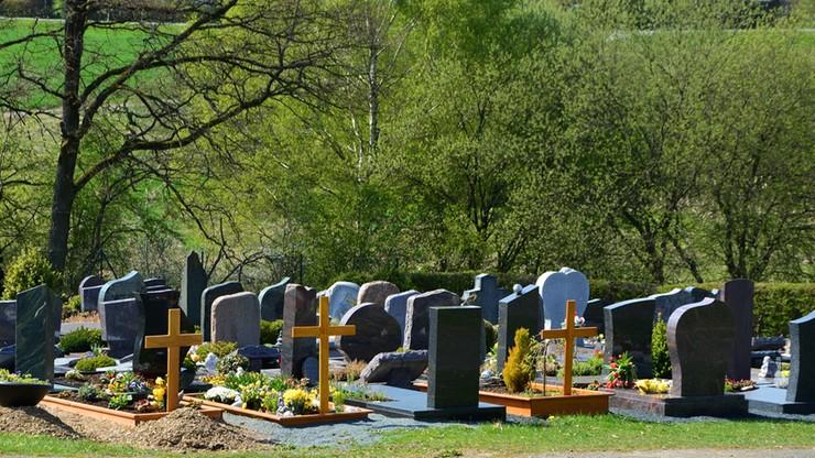 Kolejne 21 zarzutów dla podejrzanego o okradanie grobów na Pomorzu