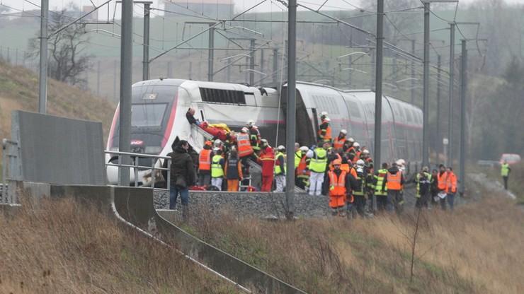 Wypadek pociągu wysokich prędkości. Dwudziestu pasażerów rannych
