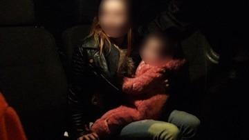 Pijane matki. Jedna wiozła dziecko do szkoły, druga przewróciła się z niemowlęciem na rękach