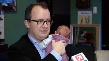 RPO poinformował, że skorzystał z urlopu ojcowskiego. Zachwala i zachęca innych
