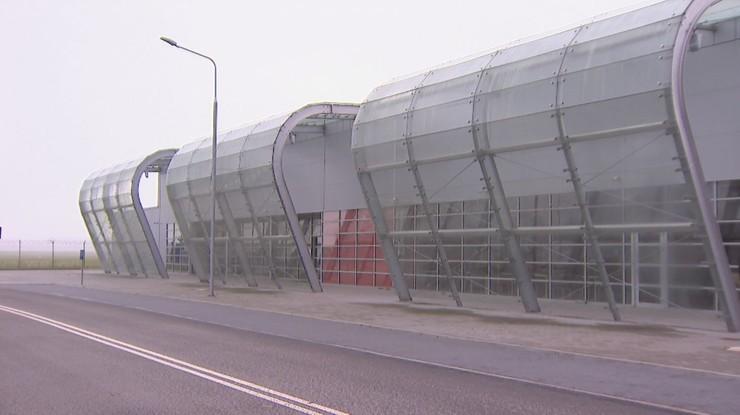 Podpisano umowę o sprzedaży radomskiego lotniska. Morawiecki: miasto stoi przed wielką szansą