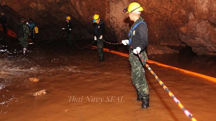 Elon Musk chce pomóc w ratowaniu uwięzionych w jaskini w Tajlandii