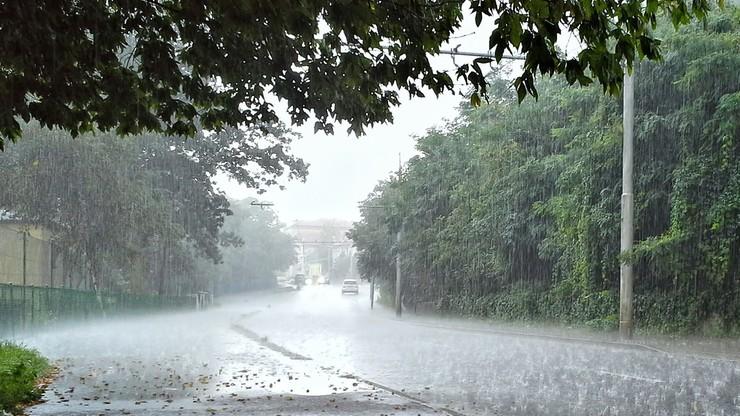Pogoda na niedzielę 2 maja. Silny wiatr i intensywne opady. Ostrzeżenie IMGW