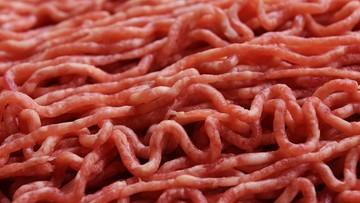 Nielegalny ubój w stolicy Czech. Zabezpieczono ponad tonę mięsa