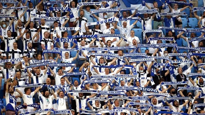 Kibice po Euro 2020 wywołali czwartą falę COVID-19 w Finlandii