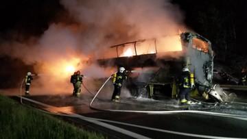 Pożar autobusu na A4. Pojazd doszczętnie spłonął