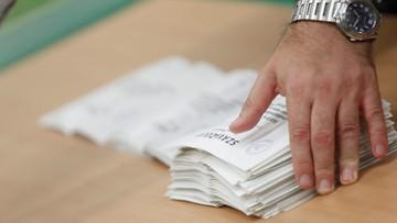 """""""Połowiczna porażka premiera Orbana"""" kontra """"makabryczna farsa"""". Europejska prasa o węgierskim referendum"""