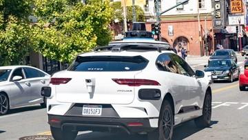 Autonomiczne auta korkują podjazd w San Francisco ku uciesze Elona Muska