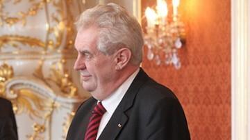 Prezydent Czech: Bractwo Muzułmańskie stoi za falą uchodźców