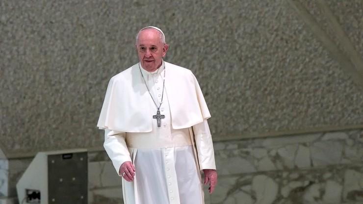 Papież: marzę o Ziemi, która chroniłaby życie od chwili, gdy niewidzialne pojawia się w łonie matki