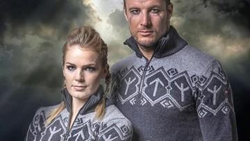 Kontrowersyjne symbole runiczne na swetrach norweskich narciarzy. Sportowcy odmówili ich noszenia podczas igrzysk