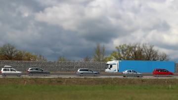 PE przyjął rezolucję ws. transportu drogowego. Polscy eurodeputowani krytyczni