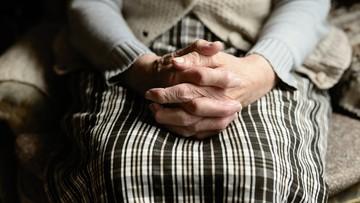 """Oszustwo na """"krewną z koronawirusem"""". 75-latka straciła 28 tys. zł"""