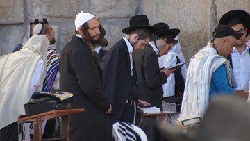 """Żydowska organizacja """"rozczarowana"""" tonem dyskusji o ustawie 447 w Polsce"""