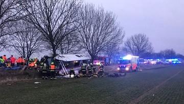 Trzy osoby zginęły w wypadku autobusu pod Pragą